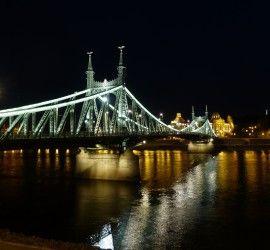 Budapest éjszaka (Fotó: Alistair Young - Flickr.com)